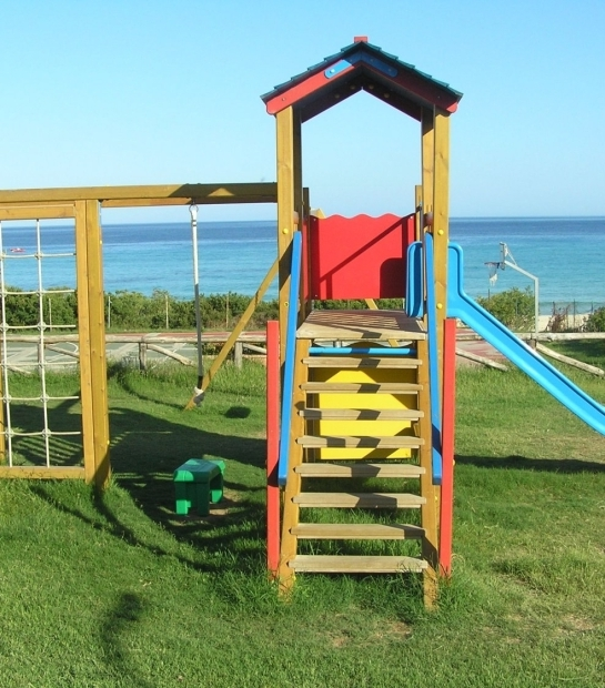 Free Beach Club Playground