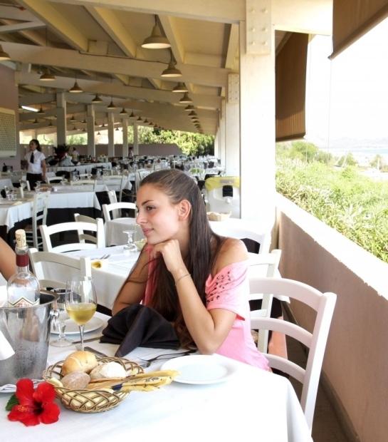 Restaurant avec terrasse à Costa Rei