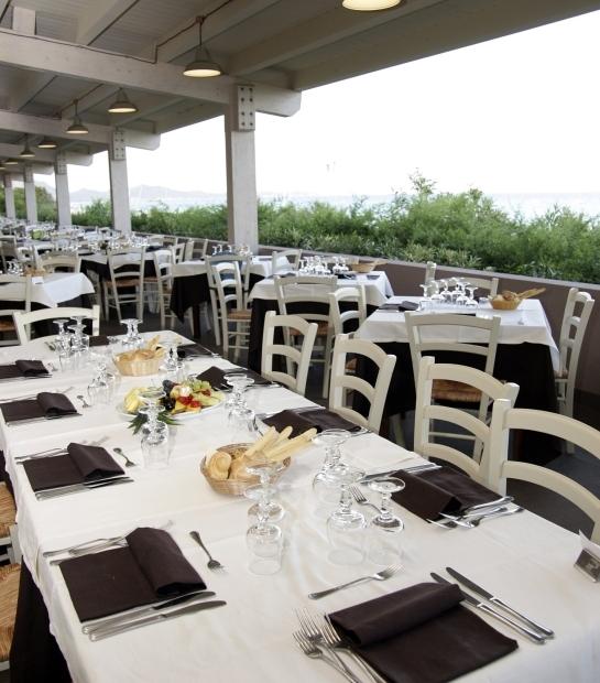 Tavoli nella terrazza del Ristorante